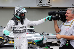 Parce Ferme: Nico Rosberg, Mercedes AMG, feiert seine Pole-Position