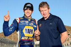 2014 champion Chase Elliott celebrates with father Bill Elliott
