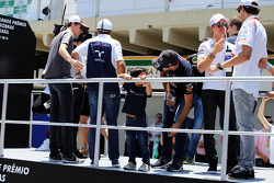 Felipe Massa, Williams with his son Felipinho Massa, ands Daniel Ricciardo, Red Bull Racing on the drivers parade