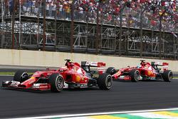 Kimi Räikkönen, Ferrari F14-T; Fernando Alonso, Ferrari F14-T