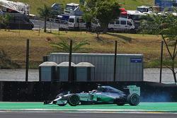 Dreher: Lewis Hamilton, Mercedes AMG F1 W05