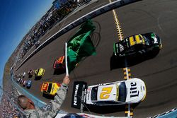 Départ : Denny Hamlin, Joe Gibbs Racing Toyota