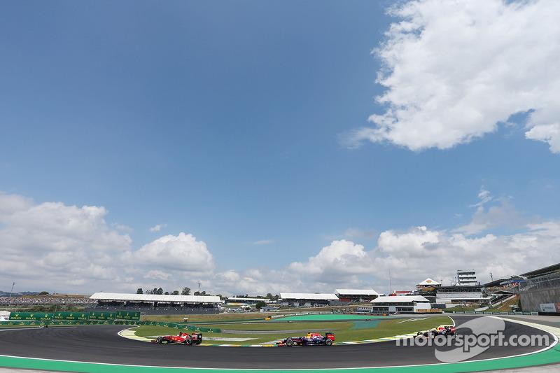 Fernando Alonso, Ferrari F14-T ve Sebastian Vettel, Red Bull Racing RB10