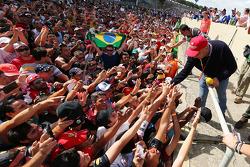 Fans at the podium with Niki Lauda, Mercedes Non-Executive Chairman