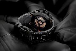 Motorsporlarından ilham alınmış saat