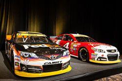 Championship contenders press conference: cars of Denny Hamlin, Joe Gibbs Racing Toyota and Kevin Harvick, Stewart-Haas Racing Chevrolet
