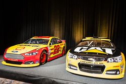 Championship contenders press conference: cars of Joey Logano, Team Penske Ford and Ryan Newman, Richard Childress Racing Chevrolet