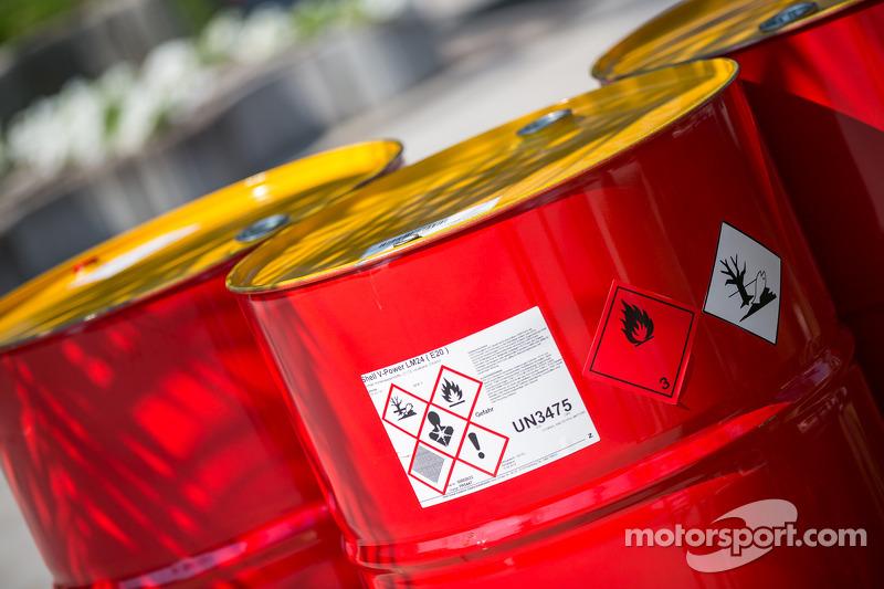 Taniche di benzina Shell