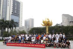 Photoshoot en grupo: Todos los pilotos F3, WTCC y motos en Macau