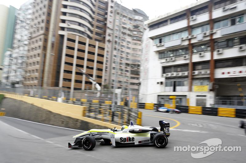 Richard Goddard, Three Bond con  T-Sport Dallara F312 NBE