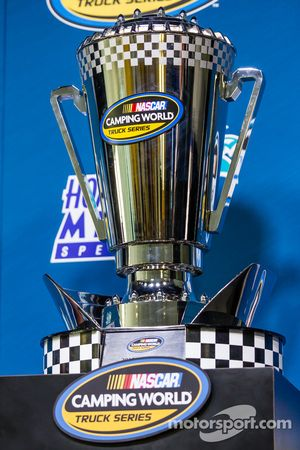 Conferencia de Nationwide Series y Camping World Truck Series: trofeo de NASauto Camping World Truck