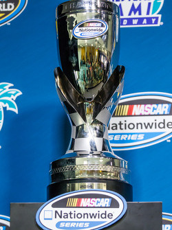 Persconferentie van de Nationwide Series en Camping World Truck Series: kampioenstrofee van de NASCA