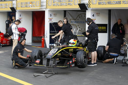 Roberto Merhi su Dallara 312 Mercedes-HWA del team Double R Racing