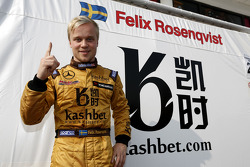 Pole de Felix Rosenqvist, Kashbet.com by Mücke Motorsport Dallara F312 Mercedes-HWA