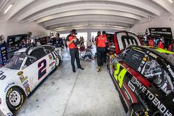 Brad Keselowski, Team Penske Ford et Jeff Gordon, Hendrick Motorsports Chevrolet