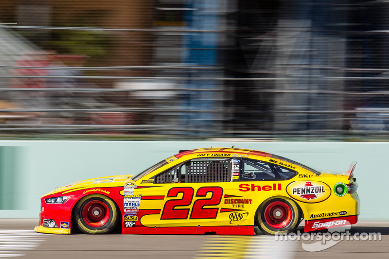 Joey Logano (Penske-Ford): Vierter mit P16 im Rennen