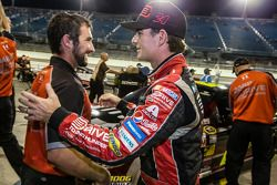 Pole position Jeff Gordon, Hendrick Motorsports Chevrolet heureux