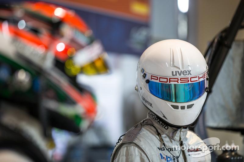 Porsche pit crew