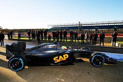Oliver Turvey tests the McLaren Honda