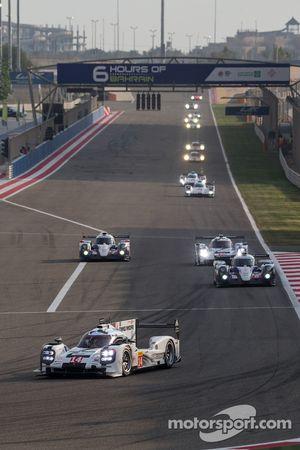 #14 Porsche Team Porsche 919 Hybrid: Romain Dumas, Neel Jani, Marc Lieb leads after the first lap