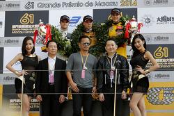 Podium, 2do Lucas Auer, Kfzteile24 Mücke Motorsport Dallara F312 Mercedes-HWA, 1st Felix Rosenqvist,