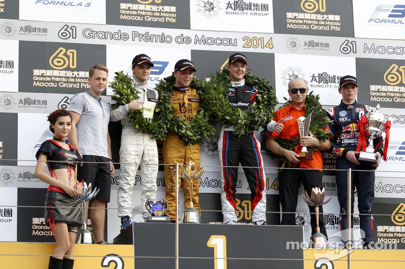 Podium, 2nd Lucas Auer, Kfzteile24 Mücke Motorsport Dallara F312 Mercedes-HWA, 1st Felix Rosenqvist,