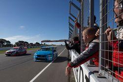 Scott McLaughlin, Polestar Racing Volvo S60 galibiyete ulaşıyor