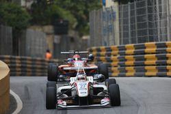 Nick Cassidy, Three Bond con T-Sport Dallara F314 NBE