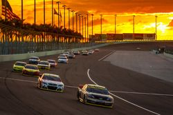 Denny Hamlin, Joe Gibbs Racing Toyota and Kevin Harvick, Stewart-Haas Racing Chevrolet