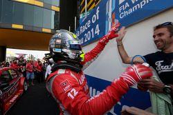 El ganador de la carrera 2 Robert Huff, LADA Granta 1.6T, LADA Sport