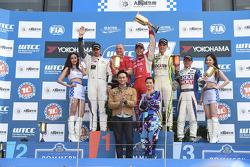 Robert Huff, LADA Granta 1.6T, LADA Sport, Yvan Muller, Citroen C-Elysee WTCC, Citroen Total WTCC, H