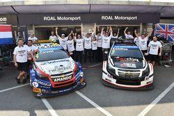 比赛获胜者横滨车队的奖杯, Roberto Ravaglia, Team ROAL车队
