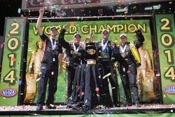 Campeones Erica Enders-Stevens, Andrew Hines, Tony Schumacher, Matt Hagan