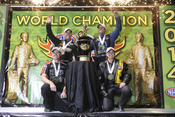 Kampioenen Erica Enders-Stevens, Andrew Hines, Tony Schumacher, Matt Hagan