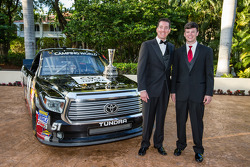 NASCAR Camping World Truck Series - Kyle Busch avec Erik Jones