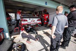 Stewart-Haas Racing Chevrolet crew of Kevin Harvick