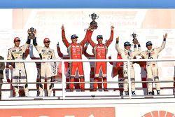 Podium: racewinnaars Tsugio Matsuda, Ronnie Quintarelli, tweede plaats Daisuke Ito, Andrea Caldarell