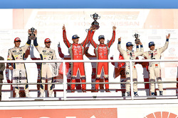 Podium: race winners Tsugio Matsuda, Ronnie Quintarelli second place Daisuke Ito, Andrea Caldarelli, third place Naoki Yamamoto, Takuya Izawa
