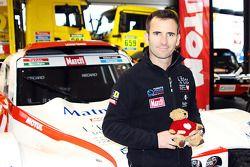 Romain Dumas avec son buggy pour le Dakar 2015