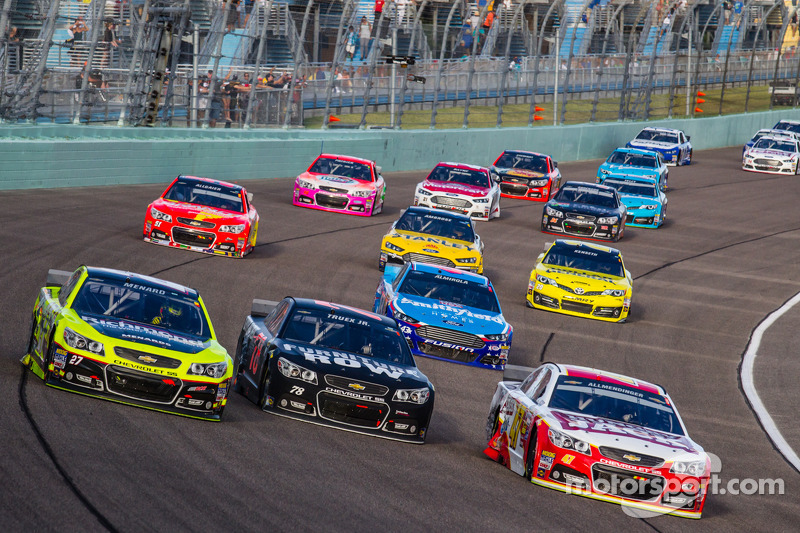 Paul Menard, Richard Childress Racing Chevrolet, Martin Truex Jr., Furniture Row Racing Chevrolet, A