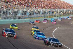 Kurt Busch, Stewart-Haas Racing Chevrolet, Martin Truex Jr., Furniture Row Racing Chevrolet