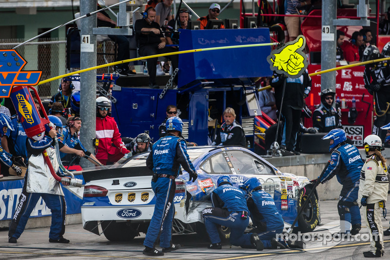 Arrêt au stand - Carl Edwards, Roush Fenway Racing Ford