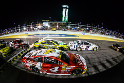 Brad Keselowski, Team Penske Ford, Paul Menard, Richard Childress Racing Chevrolet, Kevin Harvick, S