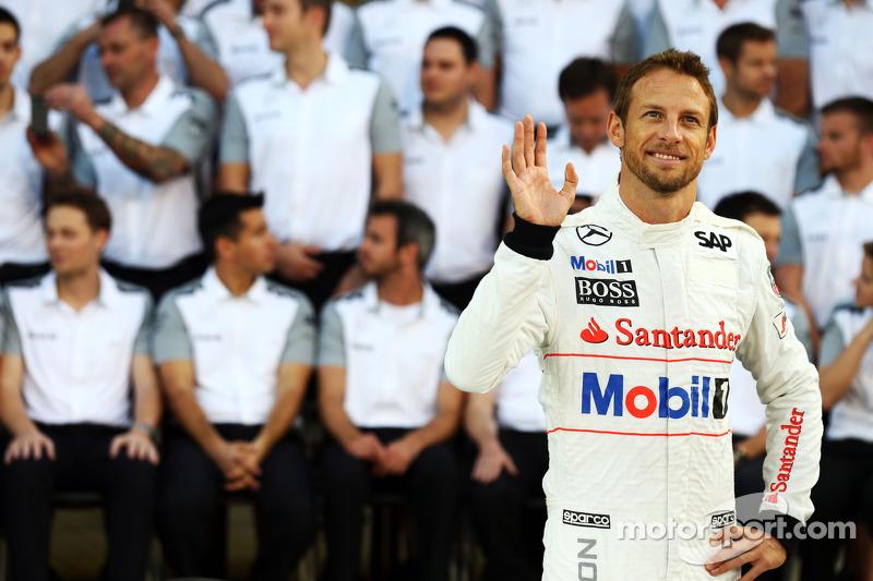 Jenson Button, McLaren, en una foto del equipo