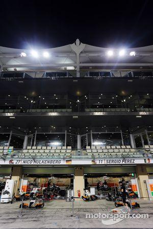 Sahara Force India F1 takımının garajı