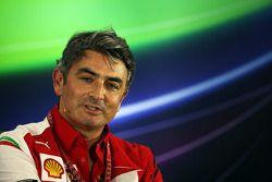 Marco Mattiacci, director Ferrari F1 team en la rueda de prensa de la FIA