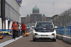BMW güvenlik aracı
