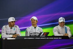 sıralama sonrası FIA Basın Konferansı: Lewis Hamilton, Mercedes AMG F1, ikinci; Nico Rosberg, Merced
