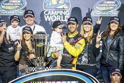 Línea de la victoria: NASCAR Camping World Truck Series 2014, Matt Crafton, campeón en celebración