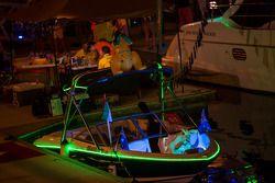 Barche nel porto di notte